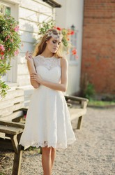 A-line Jewelry Neckline Sleeveless Illusion Knee-length Lace Wedding Dress