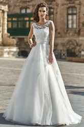 A-Line Scoop-Neck Appliqued Floor-Length Sleeveless Tulle&Lace Wedding Dress With Bow