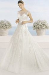 Ball Gown Bateau-Neck Short-Sleeve Tulle Wedding Dress With Illusion