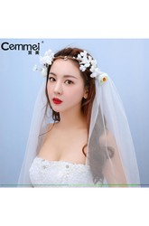 New Spring Korean Bride Headdress Short Paragraph Veil Flower Wings Shoulder Yarn Wedding Dress Accessories