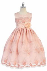 Floral Appliqued Tulle&Lace Flower Girl Dress With Ribbon