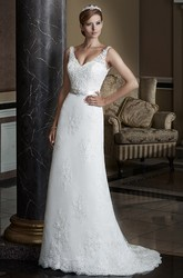 A-Line Appliqued Sleeveless V-Neck Long Lace Wedding Dress With Bow