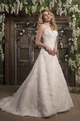 A-Line Bateau Neck Appliqued Sleeveless Lace Wedding Dress With Court Train