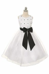 Tea-Length Floral Bowed Lace&Sequins Flower Girl Dress With Tiers
