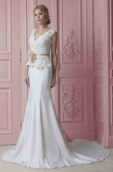Sheath Floor-Length V-Neck Appliqued Sleeveless Stretched Satin Wedding Dress With Flower And Ribbon
