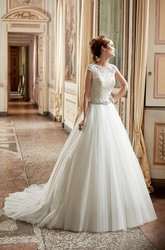 A-Line Appliqued Maxi Scoop-Neck Cap-Sleeve Tulle&Lace Wedding Dress With Waist Jewellery And Illusion