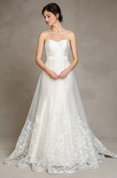 A-Line Sleeveless Maxi Sweetheart Appliqued Satin&Tulle Wedding Dress
