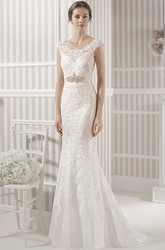 Sheath Sleeveless Scoop-Neck Lace Wedding Dress With Waist Jewellery And Keyhole