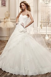 Sweetheart A-Line Wedding Dress With Side Ruching Skirt And Brush Train