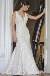 Mermaid V-Neck Sleeveless Lace Wedding Dress With Backless Design