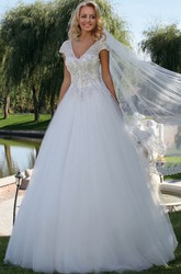 Ball Gown Cap Sleeve Appliqued V-Neck Tulle Wedding Dress