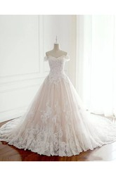 Sleeveless A-line Off-the-shoulder Floor-length Chapel Train Lace Tulle Wedding Dress with Appliques