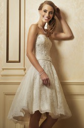 A Line Sweetheart Short Mini Appliqued Sleeveless Lace Wedding Dress
