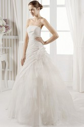 A-Line Sleeveless Strapless Floor-Length Floral Tulle Wedding Dress With Ruffles And Ruching