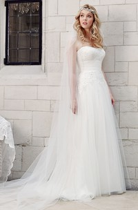 Strapless Floor-Length Appliqued Tulle Wedding Dress With Court Train