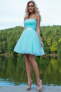 A Line Ruched Sleeveless Strapless Short Mini Tulle Prom Dress With Ribbon