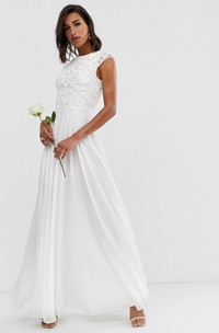 Ethereal Chiffon and Lace Sheath Jewel-neck Cap-sleeve Long Bridal Gown with Pleats
