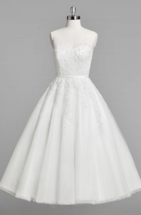 V-Neck Sleeveless A-Line Lace Tea-Length Wedding Dress