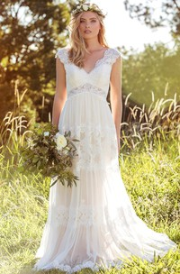 V-Neck Long Cap-Sleeve Appliqued Lace&Tulle Wedding Dress