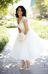 A Line V-neck Lace Tulle Zipper Wedding Dress