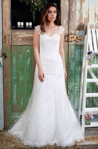 Queen-Anne Maxi Appliqued Lace Wedding Dress