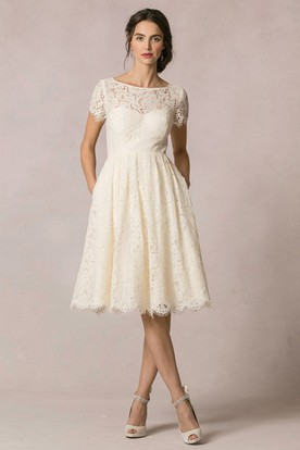 A Line Short Sleeve Scoop Neck Lace Wedding Dress With Keyhole