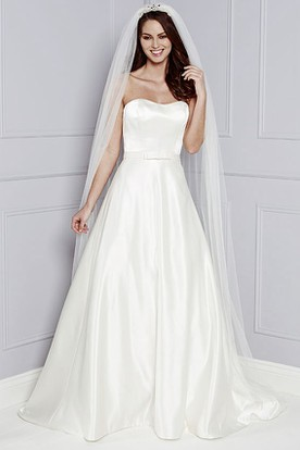 A Line Sleeveless Maxi Strapless Satin Wedding Dress