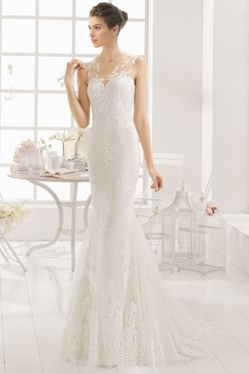 Floor Length Scoop Liqued Lace Wedding Dress With Court Train And Illusion