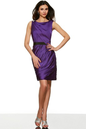 d80552f697c16 Mini Pencil Sleeveless Ruched Scoop Neck Satin Bridesmaid Dress ...