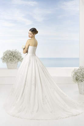 95e959a64d4 ... A-Line Appliqued Sweetheart Tulle Wedding Dress With Criss Cross And Court  Train