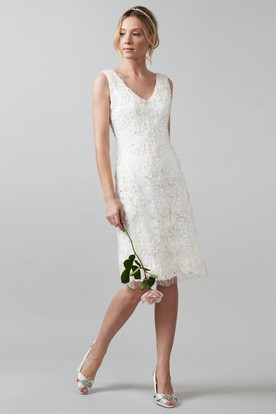 Midi V Neck Liqued Lace Wedding Dress With Back