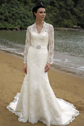 Sheath V Neck Appliqued Long Sleeve Lace Wedding Dress With Broach