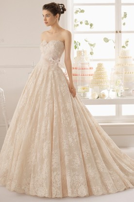 Ball Gown Sweetheart Long LaceTulle Wedding Dress With Appliques And Chapel Train