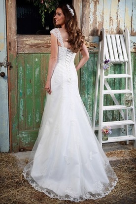 Amazing ... Queen Anne Maxi Appliqued Lace Wedding Dress