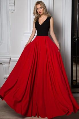 V Neck Long Sleeveless Pleated Chiffon Prom Dress