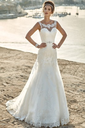 Square Neck Sleeveless Liqued Long Lace Wedding Dress With Waist Jewellery