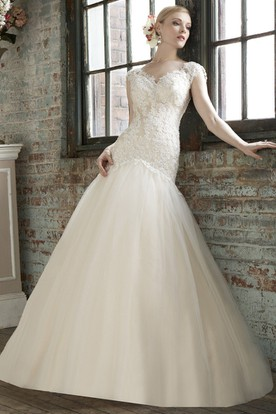 A Line Cap Sleeve Floor Length V Neck Tulle Lace Wedding Dress With