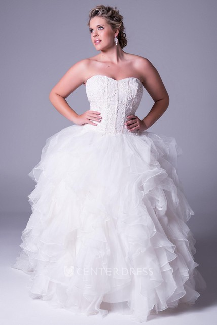 Ball Gown Appliqued Sweetheart Tulle Plus Size Wedding Dress With Ruffles  And Zipper