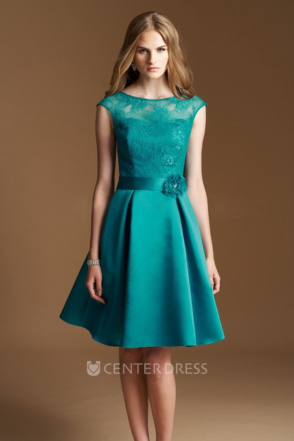 6dfc500766d Cap-sleeved A-line Knee-length Dress with Lace Bodice and Flower - UCenter  Dress