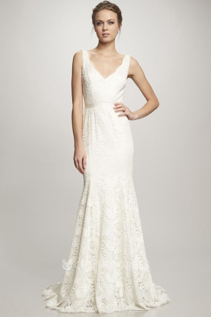 Sheath V-Neck Sleeveless Lace Wedding Dress With Ribbon And Keyhole