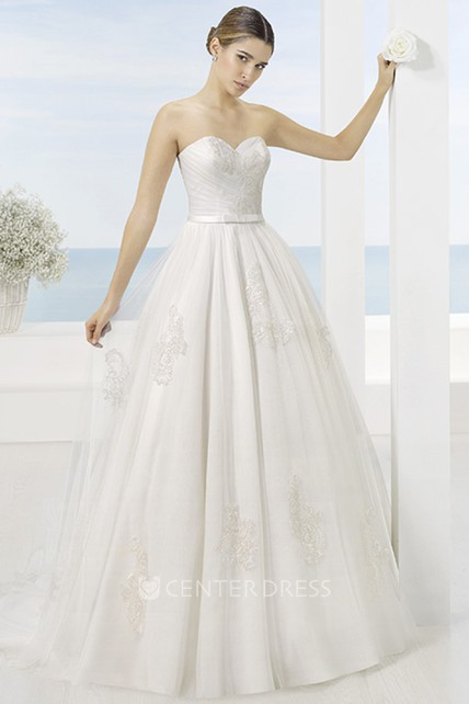 adb8dc7faf3 A-Line Appliqued Sweetheart Tulle Wedding Dress With Criss Cross And Court  Train - UCenter Dress