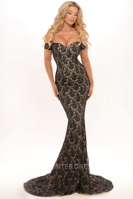 Maxi Off-The-Shoulder Lace Prom Dress With Sweep Train And V Back