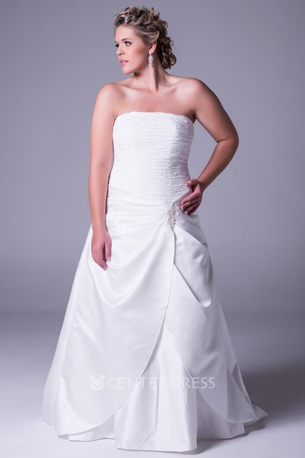 Floor-Length Strapless Satin Plus Size Wedding Dress With Ruching And Zipper