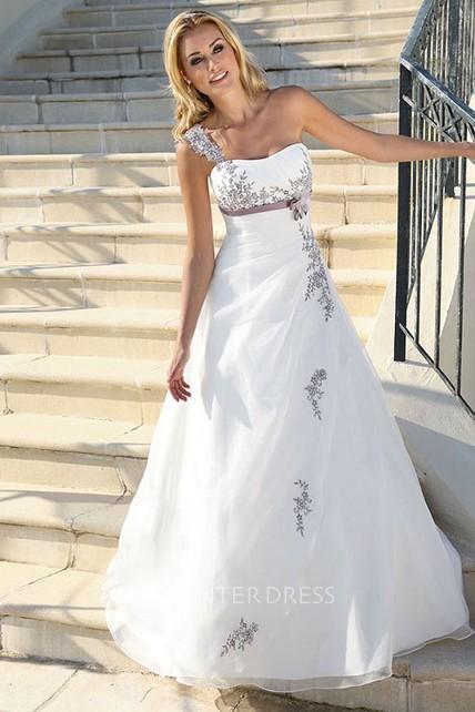 4747acf008b Long One-Shoulder Appliqued Side-Draped Satin Wedding Dress With Ribbon
